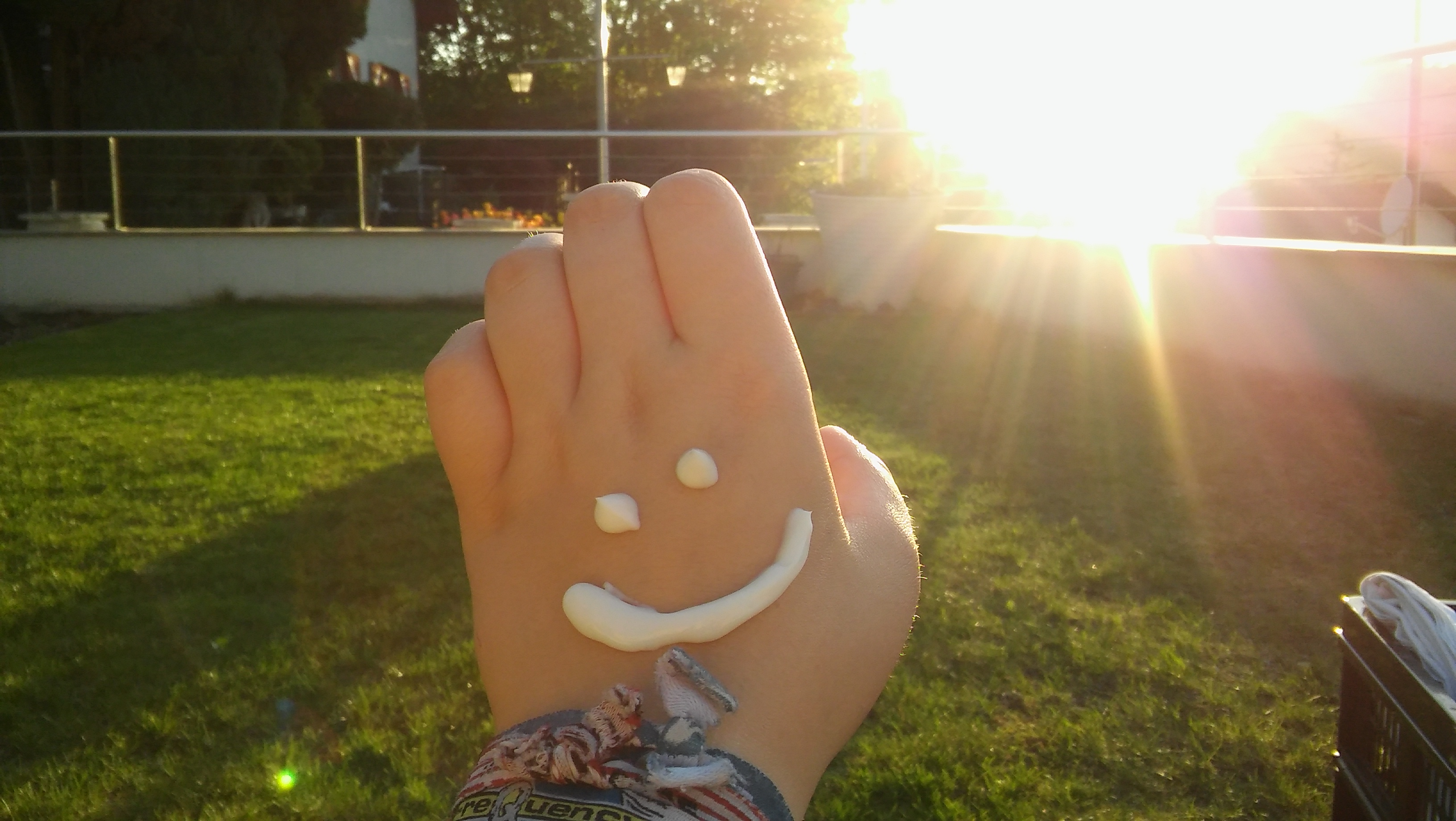 Hand Smiley